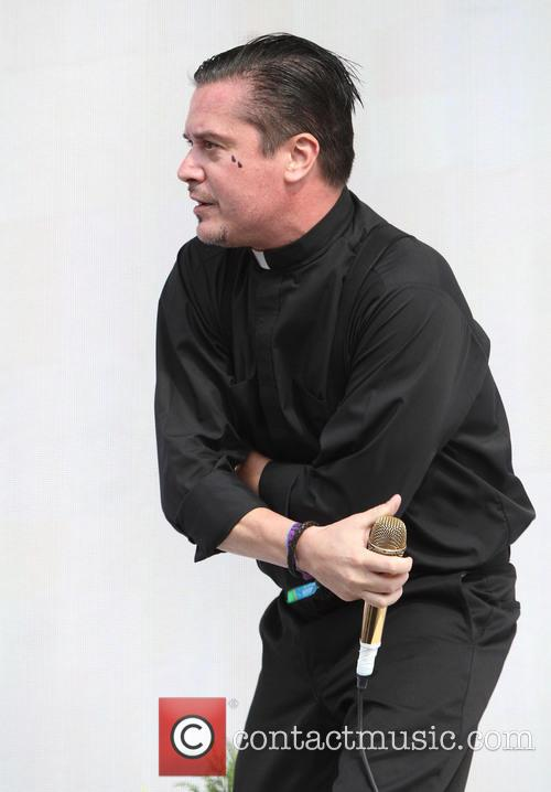 Mike Patton and Faith No More 7