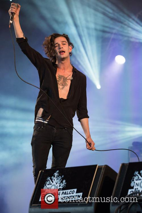 Matthew Healy and The 1975 4