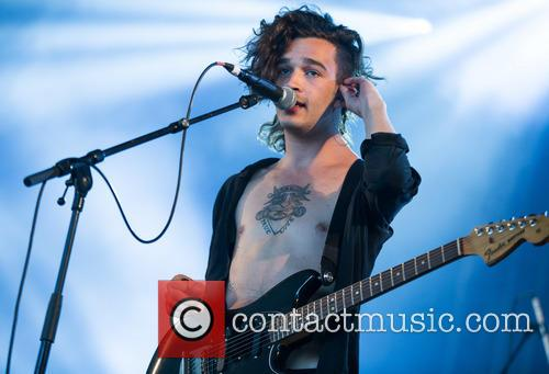 Matthew Healy and The 1975 6