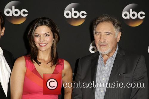 Alana De La Garza and Judd Hirsch 8