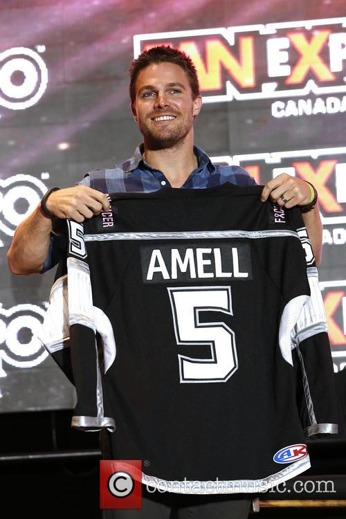 Stephen Amell 4
