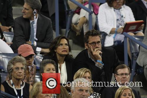 Mariska Hargitay and Peter Hermann 1