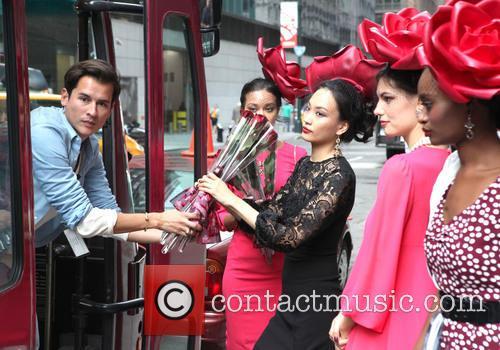 Eva Mendes and Models 9