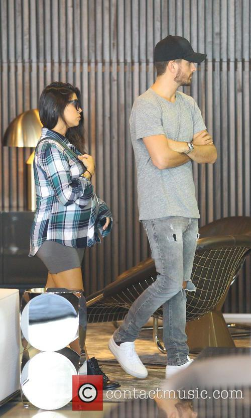 Kourtney Kardashian, Kourtney Kardashin and Scott Disick 8