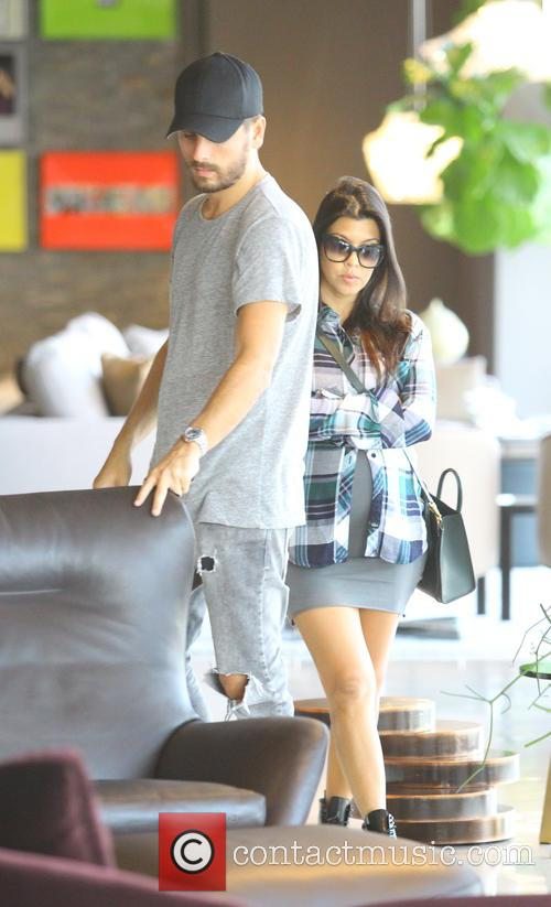 Kourtney Kardashian, Kourtney Kardashin and Scott Disick 11