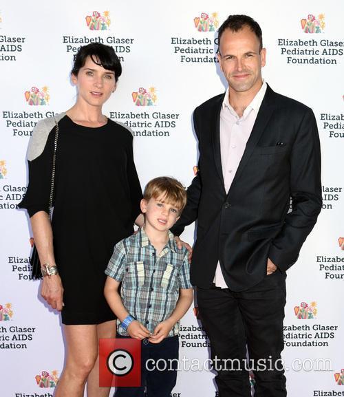 Jonny Lee Miller, Michele Hicks and Buster Timothy Miller 1