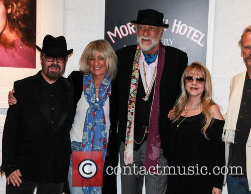Dave Stewart, Christie Mcvie, Mick Fleetwood and Stevie Nicks 7