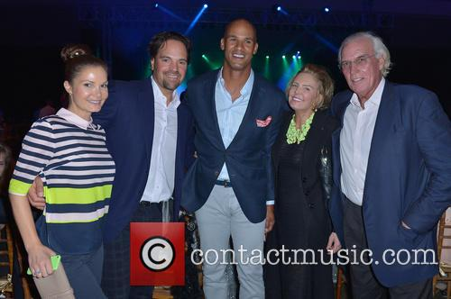 Alicia Rickter, Mike Piazza, Jason Taylor, Lesley Visser and Bob Kanuth