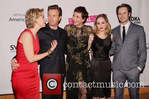Cynthia Nixon, Ewan Mcgregor, Maggie Gyllenhaal, Madeline Weinstein and Josh Hamilton 4