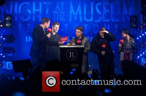 Jamie Theakston, Emma Bunton, Take That, Gary Barlow, Howard Donald and Mark Owen 1