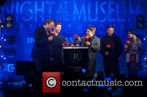 Jamie Theakston, Emma Bunton, Take That, Gary Barlow, Howard Donald and Mark Owen 2