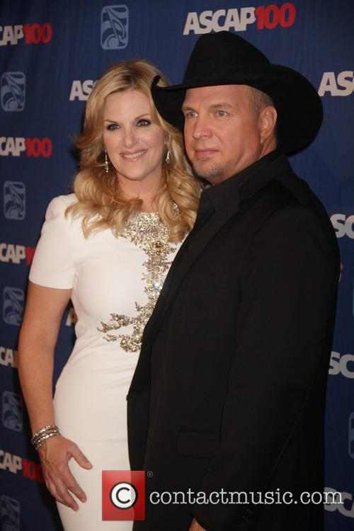 Garth Brooks and Trisha Yearwood 1