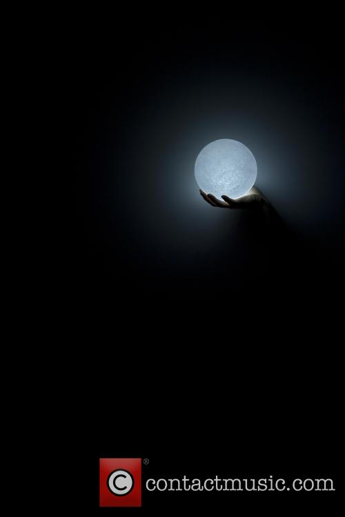 Supermoon Inspired and Moon' Led Light 1