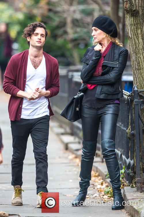 Uma Thurman and Penn Badgley 2