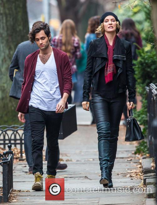 Uma Thurman and Penn Badgley 1