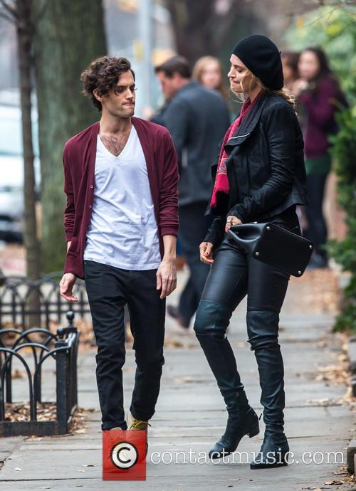 Uma Thurman and Penn Badgley 7