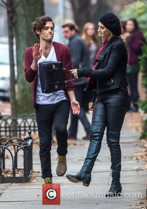 Uma Thurman and Penn Badgley 8