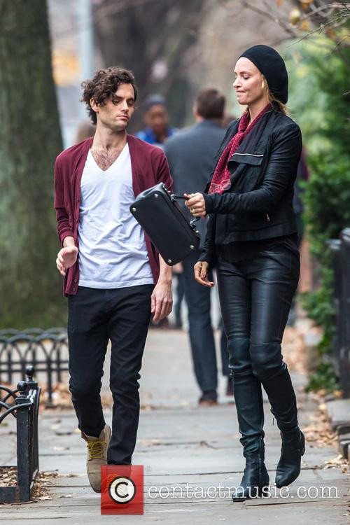 Uma Thurman and Penn Badgley 11