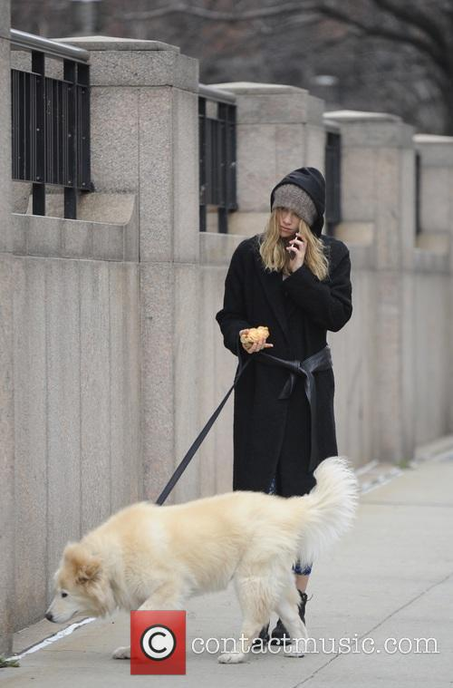 Suki Waterhouse and Charlotte 4