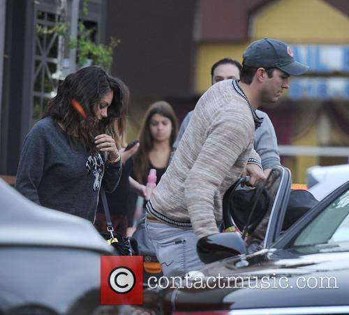 Ashton Kutcher, Mila Kunis and Wyatt Isabelle Kutcher 7