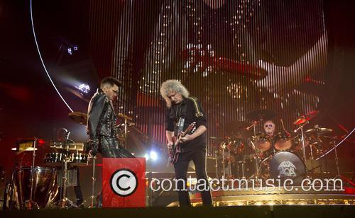 Brian May, Queen and Adam Lambert 9