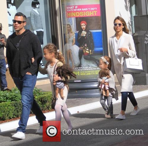 Jessica Alba, Cash Warren, Haven Garner Warren and Honor Marie Warren 3