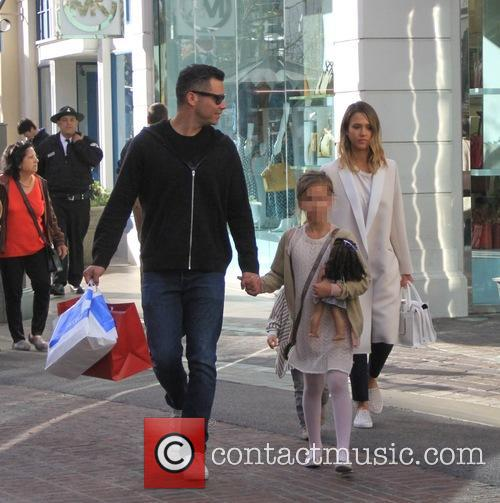 Jessica Alba, Cash Warren and Honor Marie Warren 7