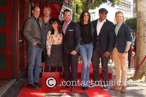 Miguel Ferrer, Eric Christian Olsen, Barrett Foa, Chris O'donnell, Daniela Ruah, Ll Cool J and Renée Felice Smith 3