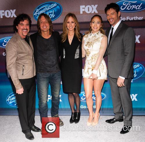 (l-r) Businessman/american Idol Mentor Scott Borchetta, Singers Keith Urban, Jennifer Lopez and Harry Connick Jr 2