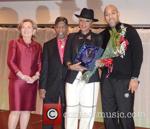 Dr. Kathleen Ownens, Leon Huff, Mary J. Blidge and Derrick Corbett 4