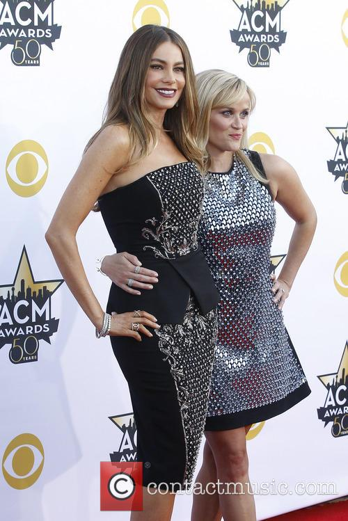Sofia Vergara and Reese Witherspoon 1