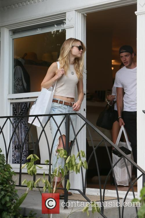 Lucy Fry and Dominic Sherwood 3