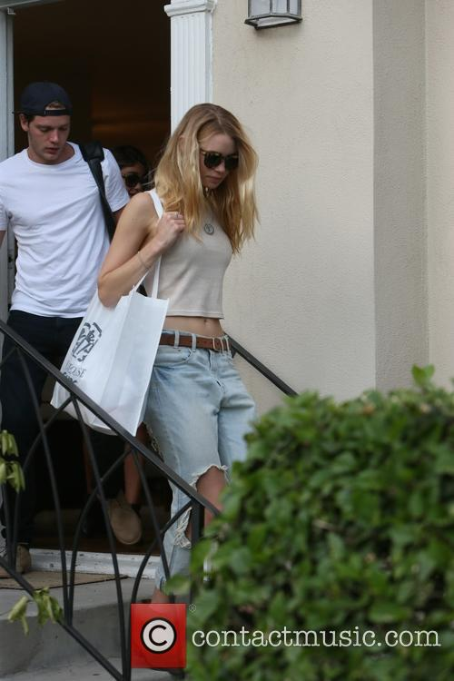 Lucy Fry and Dominic Sherwood 4