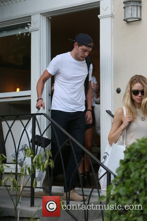 Lucy Fry and Dominic Sherwood 5