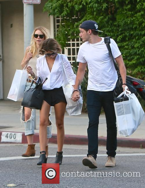 Lucy Fry, Sarah Hyland and Dominic Sherwood 1