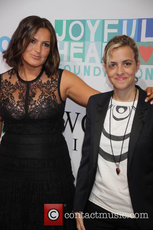 Mariska Hargitay and Samantha Ronson 11