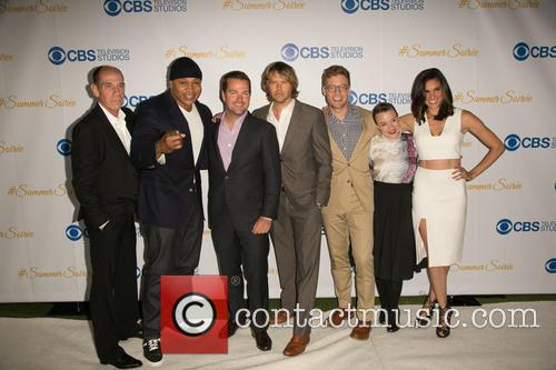 Miguel Ferrer, Ll Cool J, Chris O'donnell, Eric Christian Olsen, Barrett Foa, Renée Felice Smith and Daniela Ruah 9