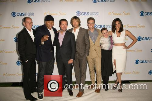 Miguel Ferrer, Ll Cool J, Chris O'donnell, Eric Christian Olsen, Barrett Foa, Renée Felice Smith and Daniela Ruah 1