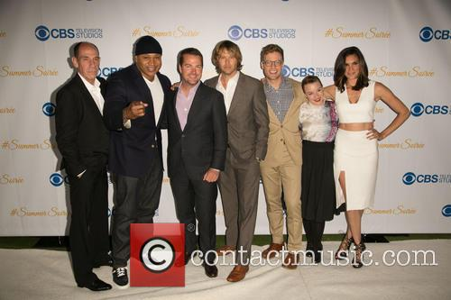 Miguel Ferrer, Ll Cool J, Chris O'donnell, Eric Christian Olsen, Barrett Foa, Renée Felice Smith and Daniela Ruah 10