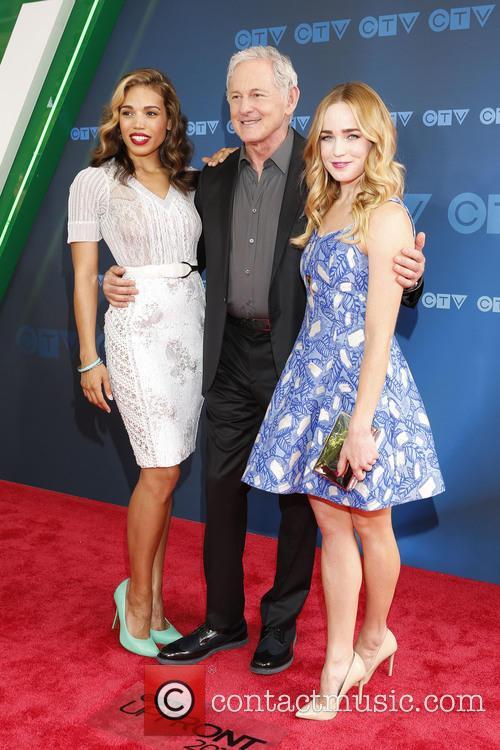 Ciara Renee, Victor Garber and Caity Lotz 2