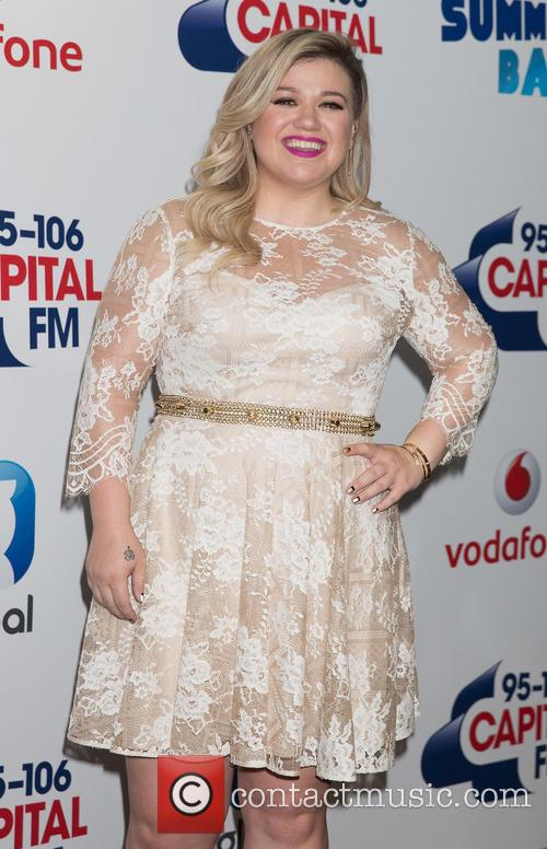 Kelly Clarkson Announces She's Having A Baby Boy