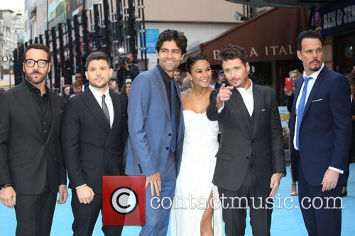 Jeremy Piven, Jerry Ferrara, Adrian Grenier, Kevin Connolly, Kevin Dillon and Emmanuelle Chriqui 8