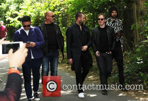 Tom Meighan and Sergio Pizzorno 5