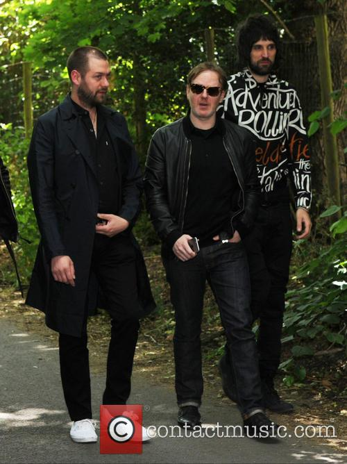 Tom Meighan and Sergio Pizzorno 6