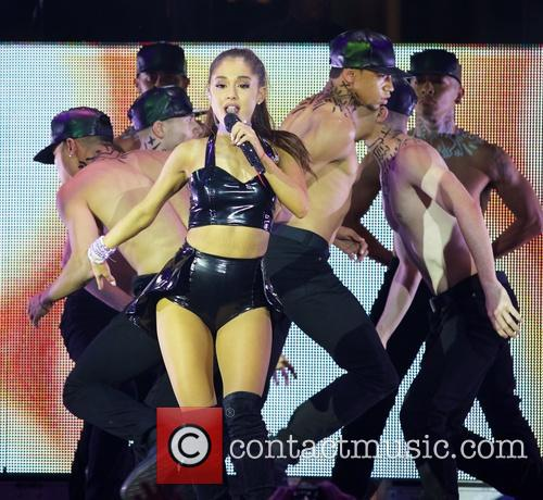 Ariana Grande 5