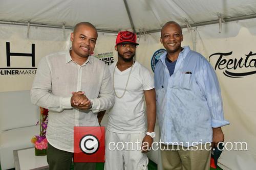 City If Miami Commissioner Keon Hardemon, Xavier Lewis and Mayor Of Miami Gardens Mayor Oliver G. Gilbert Iii 1
