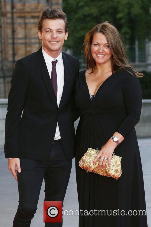 Louis Tomlinson, Mother Johannah Deakin and One Direction 2