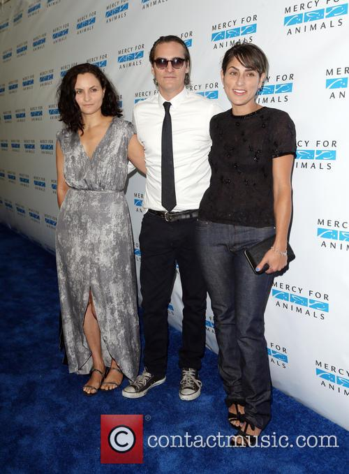 Rain Phoenix, Joaquin Phoenix and Summer Phoenix 1