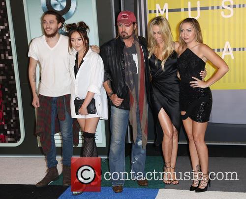 Tish Cyrus, Braison Cyrus, Noah Cyrus, Billy Ray Cyrus and Brandi Cyrus 1