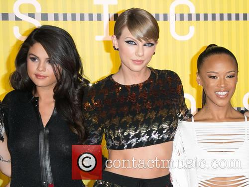 Gigi Hadid, Actress Serayah, Martha Hunt, Gomez and Taylor Swift 1